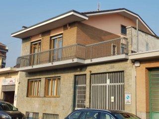 Foto 1 di Casa indipendente strada Del Bramafame, Torino (zona Madonna di Campagna, Borgo Vittoria, Barriera di Lanzo)