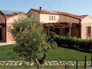 Foto 1 di Villa a Schiera via del mare, Recanati