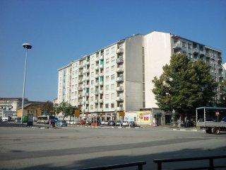Foto 1 di Trilocale via GENOVA   219, Torino (zona Valentino, Italia 61, Nizza Millefonti)