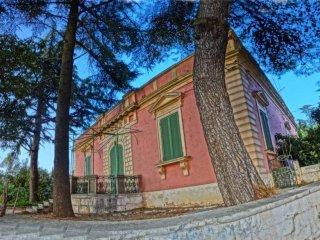 Foto 1 di Villa viale Locorotondo, Fasano