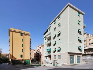Foto 1 di Trilocale via DONGHI, Genova (zona San Fruttuoso)