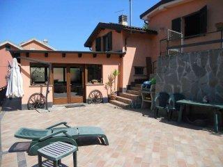 Foto 1 di Villa via Leivi, Leivi