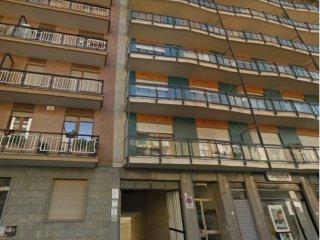 Foto 1 di Box / Garage via Garessio 6, Torino (zona Valentino, Italia 61, Nizza Millefonti)