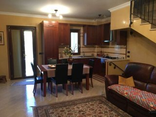 Foto 1 di Villa via dei Gelsomini, Catanzaro