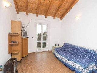 Foto 1 di Trilocale via Canzio , 2a, Castiglione Chiavarese