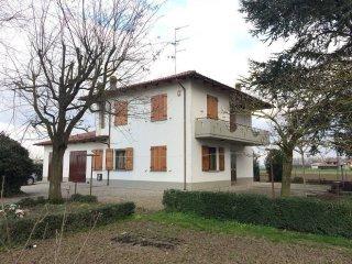Foto 1 di Villa via Giuseppe Setti, frazione Maccaretolo, San Pietro In Casale