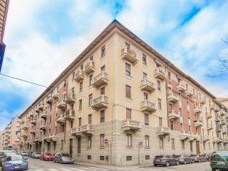 Foto 1 di Quadrilocale via Petitti 35, Torino (zona Valentino, Italia 61, Nizza Millefonti)