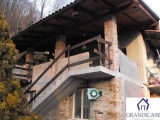 Foto 1 di Casa indipendente via Giovanna Maia, Lauriano
