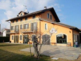 Foto 1 di Villa via Roma 51, Montalenghe