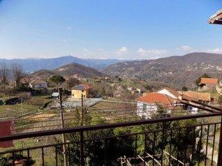 Foto 1 di Bilocale via San Bernardo, frazione Torrazza, Sant'olcese