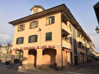 Foto 1 di Trilocale via Vittorio Emanuele II 6, Riva Presso Chieri centro