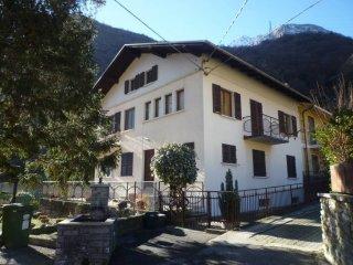 Foto 1 di Villa via Beauviermoz, Hone