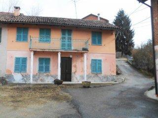 Foto 1 di Casa indipendente frazione Valleandona, Asti