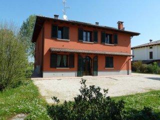 Foto 1 di Villa San Giovanni In Persiceto