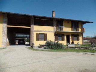 Foto 1 di Villa via Pochettino, 41, Carmagnola