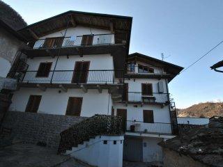 Foto 1 di Quadrilocale via Preinera 5, Villar Focchiardo