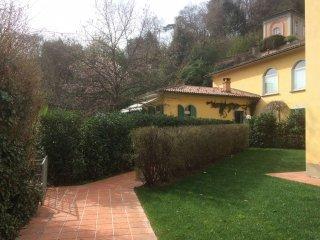 Foto 1 di Quadrilocale strada D'Harcourt, Torino (zona Precollina, Collina)