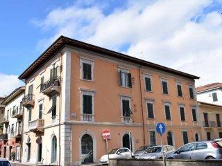 Foto 1 di Trilocale via Ugolino da Montecatini, Montecatini Terme