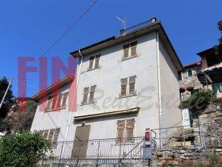 Foto 1 di Casa indipendente via di Creto, Genova (zona Valbisagno (Prato-Molassana-Struppa-S.Gottardo-S.Eusebio))