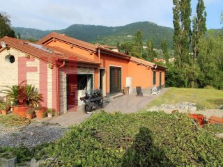 Foto 1 di Casa indipendente via Carpi, Genova (zona Valbisagno (Prato-Molassana-Struppa-S.Gottardo-S.Eusebio))