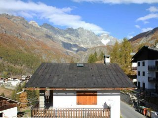 Foto 1 di Bilocale strada frazione Brengaz, frazione Bringaz, Valtournenche