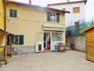 Foto 1 di Casa indipendente via Madonna delle Vigne, Genova (zona Pontedecimo)