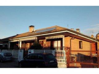 Foto 1 di Villa Località Tedeschi, 98, Leinì