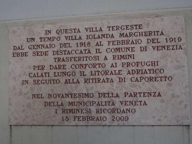 Foto 2 di Villa viale Vespucci 65, Rimini