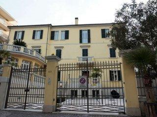 Foto 1 di Villa viale Vespucci 65, Rimini
