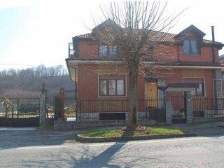 Foto 1 di Villa via Volpiano, Lombardore