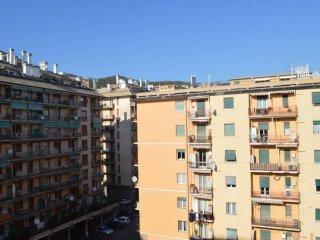 Foto 1 di Trilocale via Aldo Manuzio 3, Genova (zona S.Fruttuoso-Borgoratti-S.Martino)
