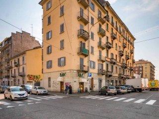 Foto 1 di Trilocale via Nizza, 381, Torino (zona Valentino, Italia 61, Nizza Millefonti)
