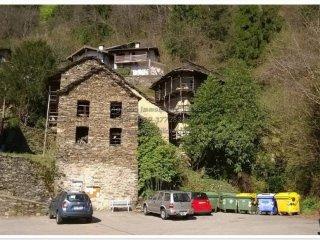 Foto 1 di Casa indipendente via Ronchi 5, Caprezzo