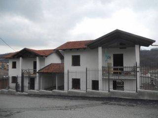 Foto 1 di Casa indipendente Perosa Canavese