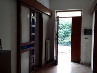 Foto 1 di Villa via Reggio Emilia, frazione Villaggio Coppola, Castel Volturno