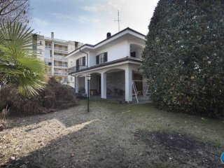 Foto 1 di Villa via Antica di Pinerolo, Cavour