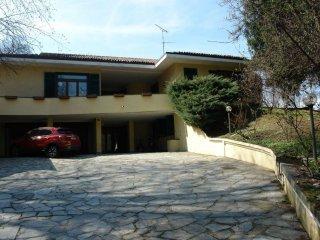 Foto 1 di Villa via strada dal ponte isabella a San Vito 116/58, Torino (zona Precollina, Collina)