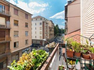 Foto 1 di Quadrilocale via Giovanni Spano 11, Torino (zona Lingotto)