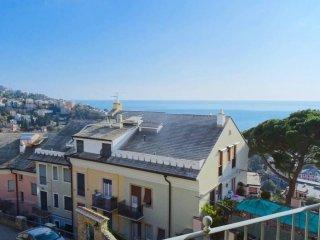 Foto 1 di Bilocale via Privata Bozzo Costa, Rapallo
