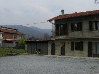 Foto 1 di Villa via San Giacomo 23, Busca