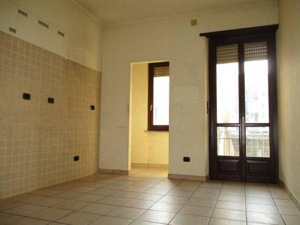 Foto 4 di Trilocale via Giosuè Borsi 87, Torino (zona Lucento, Vallette)