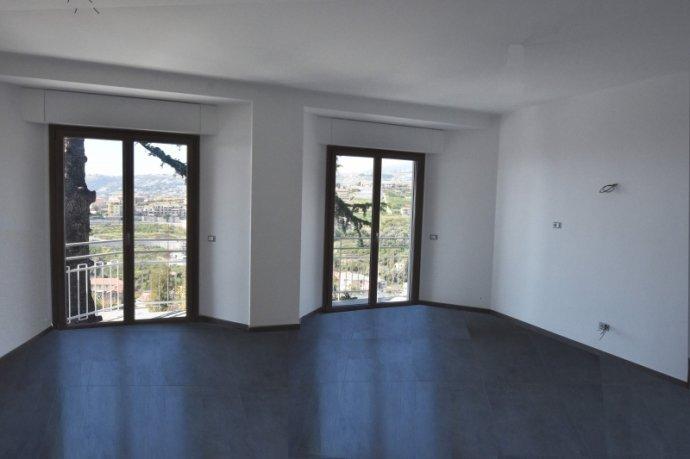 Foto 4 di Appartamento VIA D