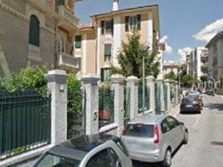 Foto 1 di Appartamento via Beato Pietro Formica, Savona