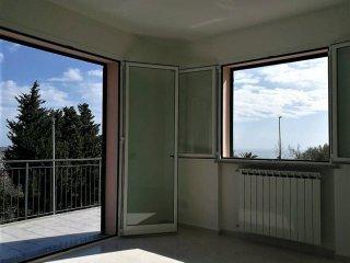 Foto 1 di Trilocale via 25 Aprile, Albissola Marina