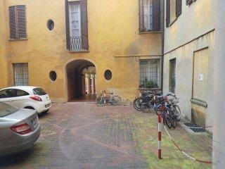Foto 1 di Monolocale via SAN VITALE, Bologna (zona Barca)