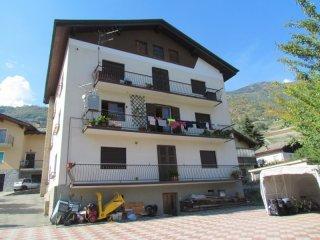 Foto 1 di Trilocale frazione Plantayes, Nus