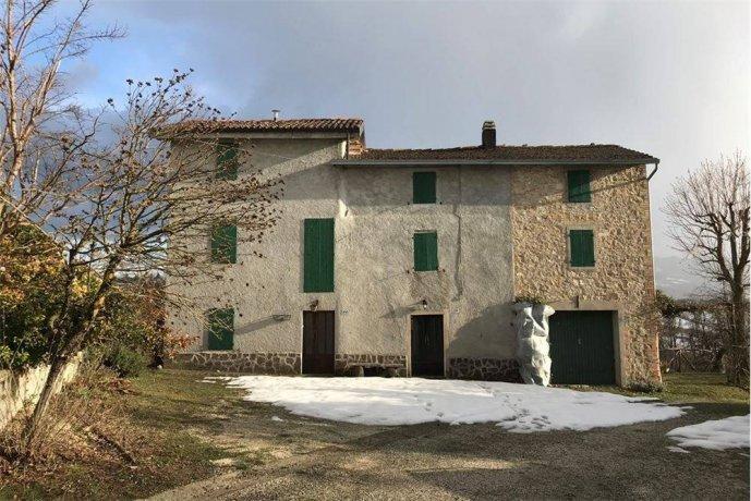 Foto 2 di Rustico / Casale via lusignano , 479, frazione Monteombraro, Zocca