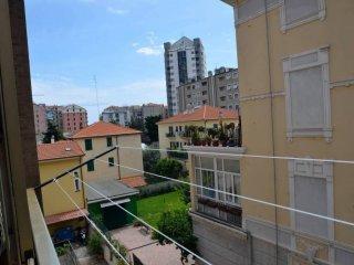 Foto 1 di Appartamento via Fratelli Canepa, Savona