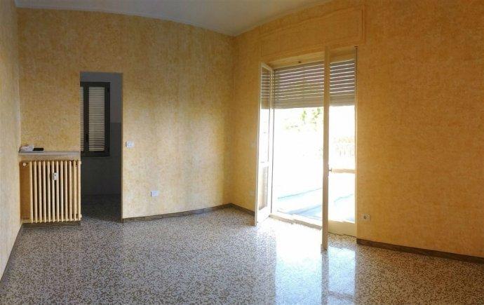 Foto 4 di Bilocale Cuneo centro