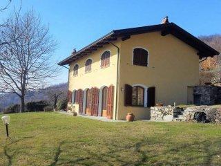 Foto 1 di Villa Palazzo Canavese